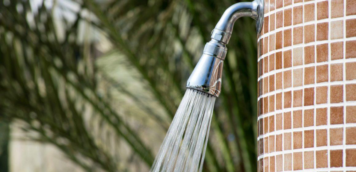 prysznic w ogrodzie