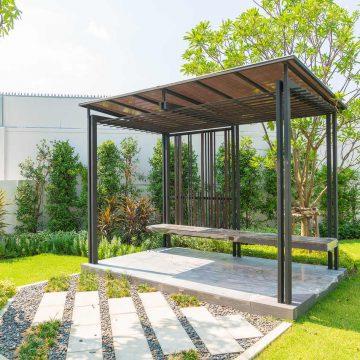 Altana ogrodowa czy pawilon ogrodowy? Co sprawdzi się w ogrodzie?